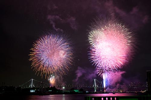 東京湾大華火祭の花火